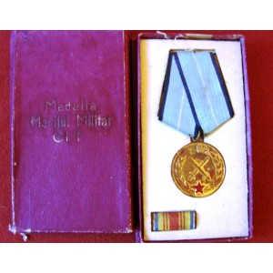 MEDALIA MERITUL MILITAR CL. I 1954 VARIANTA AURIE
